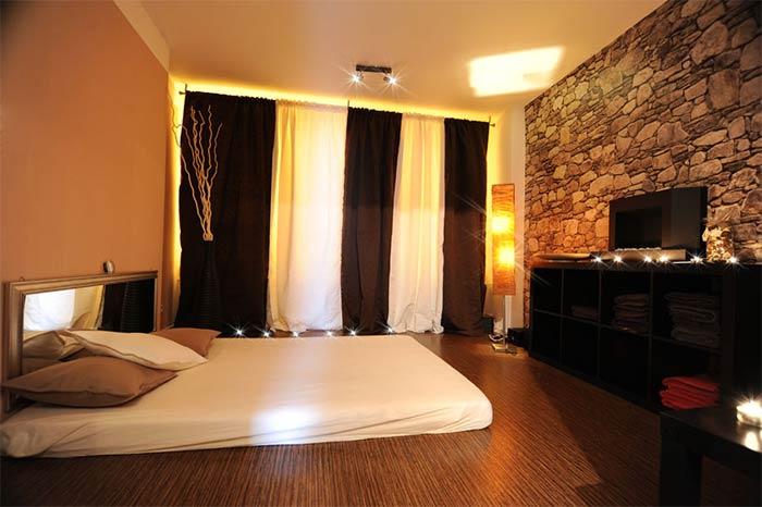 Pams lounge Erotische Massage Frankfurt